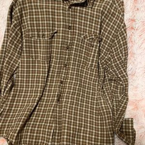 Men's Gap plaid button down shirt
